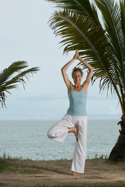 cairns yoga classes holloways beach, stratford, freshwater yoga